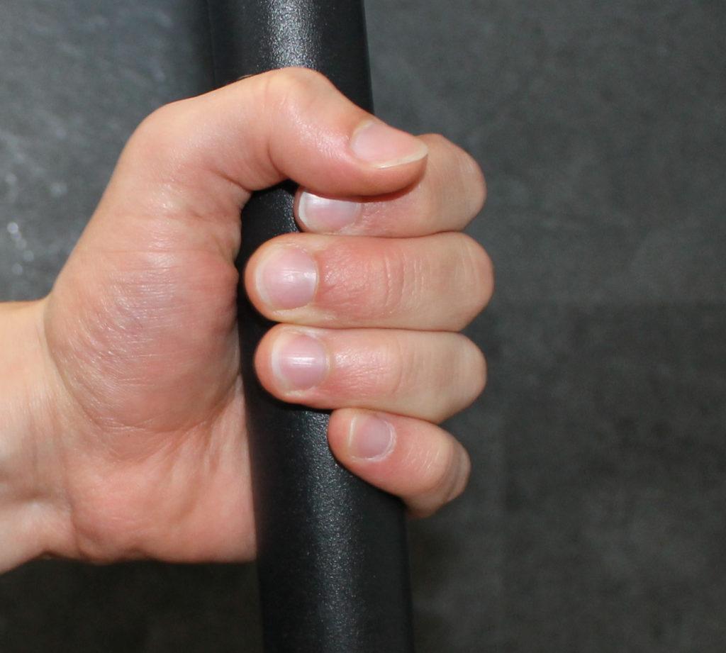 Unterhand Griff  e1474642615707 1024x921 - Klimmzüge Anleitung: richtige Ausführung, Varianten & Trainingsmethoden