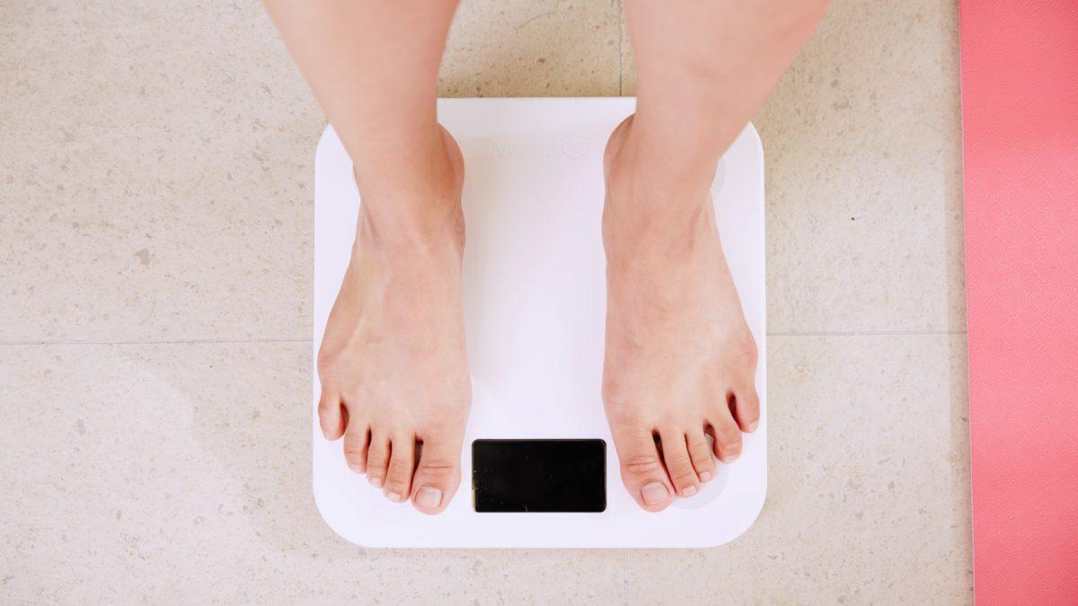 Ich mache Gewichte und Diät und verliere nicht Gewicht